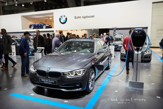 Salon 2017 BMW 330e